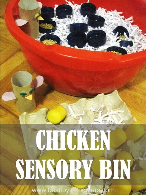 Chicken Sensory Bin - easy to set up sensory bin from materials found in recycle bin #junkplay