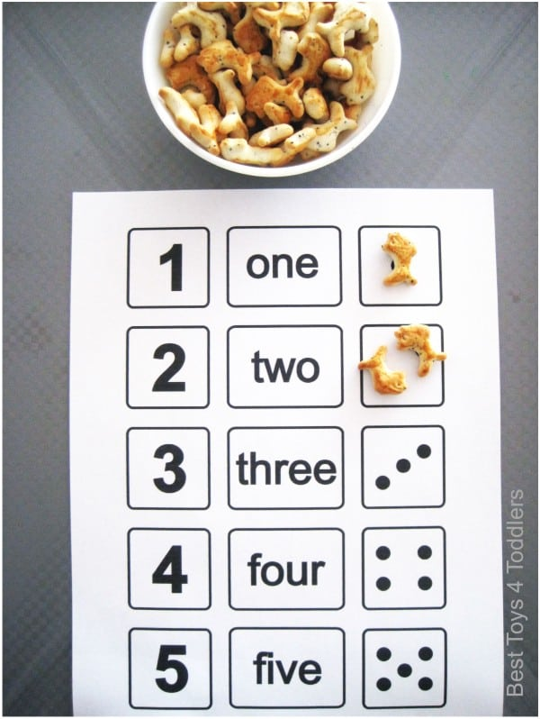 Fish crackers counting activity for toddlers and preschoolers