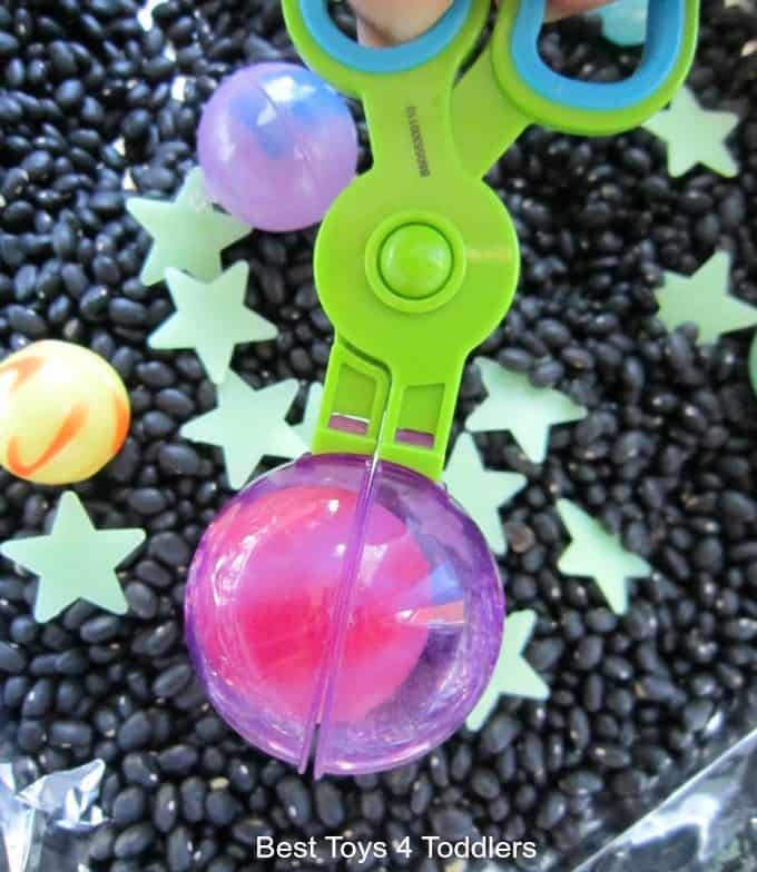 Fine motor skills with planets