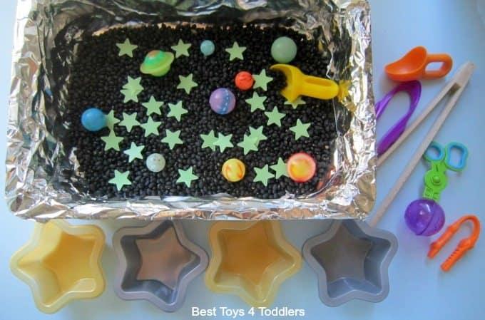 Star and planets sensory bin