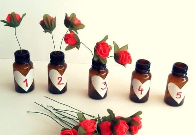 Best Toys 4 Toddlers - simple counting activity with fine motor skill practice: Counting Roses for Valentine's day!