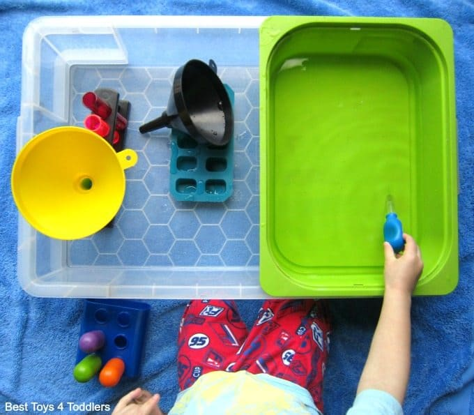 Easy set up water sensory play