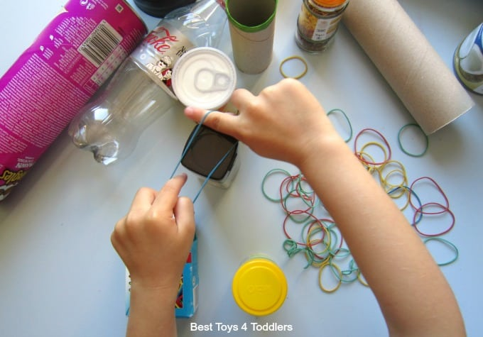 Fine motor play with rubber bands
