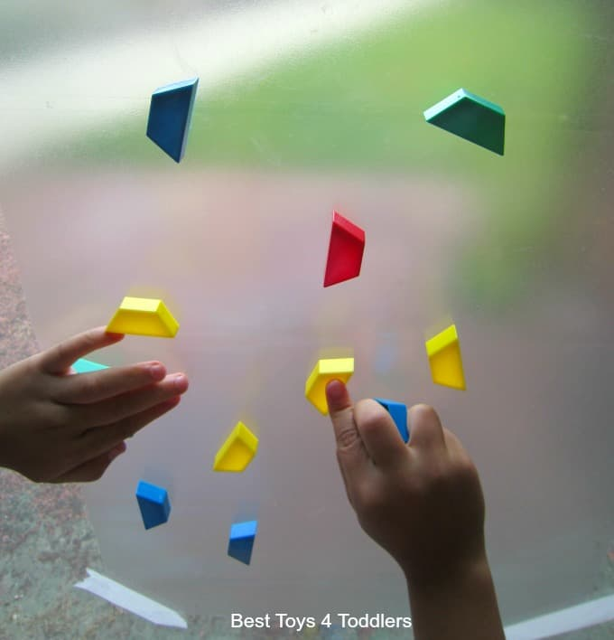 fine-motor-play-with-the-window