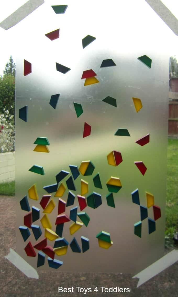 shape-fine-motor-play-on-the-window