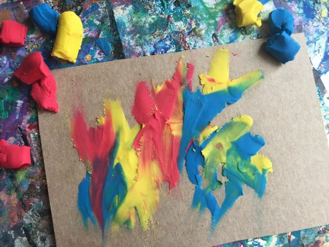 easy toddler color mixing activity