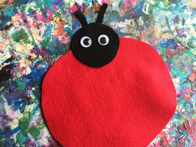 simple toddler ladybug activity