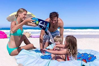 Top 10 beach toys for toddleers - Beach Blanket Pool
