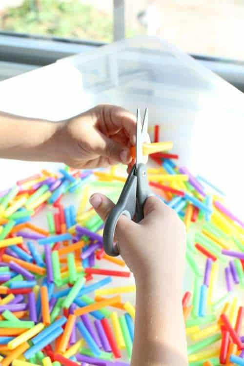 33 Out of the Box Activities with Drinking Straws - easy sensory bin