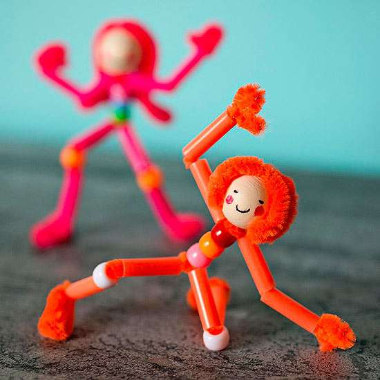 33 Out of the Box Activities with Drinking Straws - pipe cleaner pals
