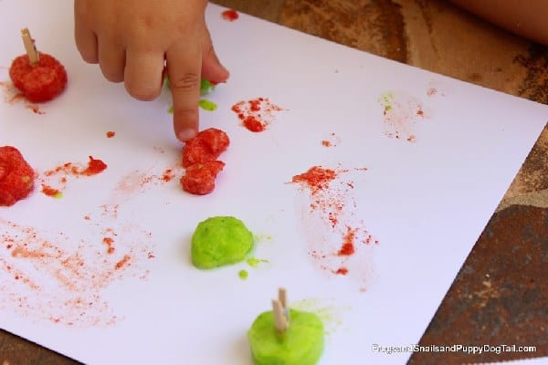 DIY Apple Scented Frozen Paints